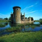 CAERLAVEROC Castle
