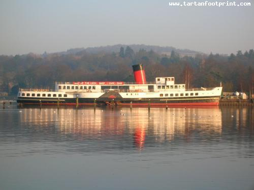 1280px-Maid_of_the_Loch_side